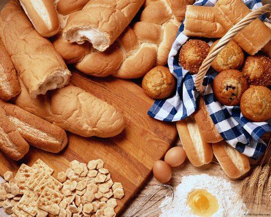 На фото: хлебобулочные изделия